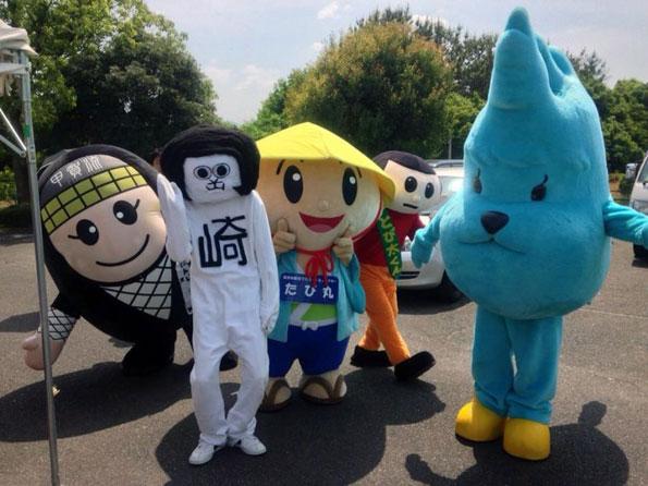 左から、「にんじゃえもん」、人気沸騰中の愛知・岡崎の「オカザえもん」、草津市の「たび丸」、琵琶湖が熊化した(?)「びわこ熊」…