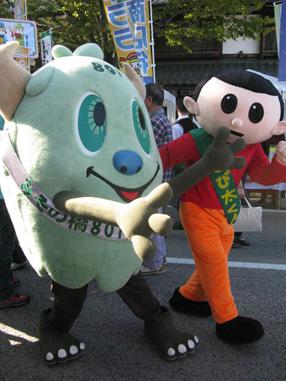 京都の御薗橋801商店街の「やおいちゃん」と